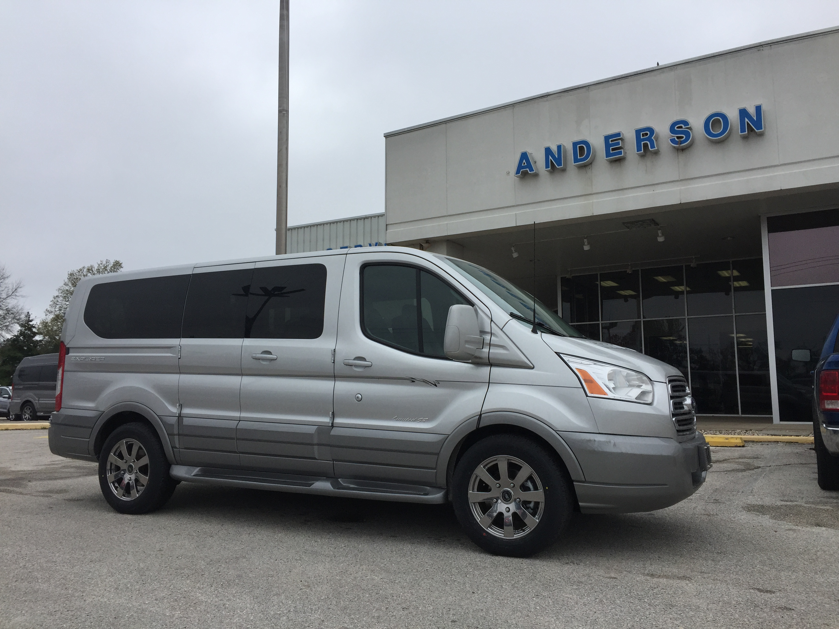 camera img charcoal aid park transmission windows select van power defogger fleet passenger automatic window view speed interior ford cloth transit reverse rear shift